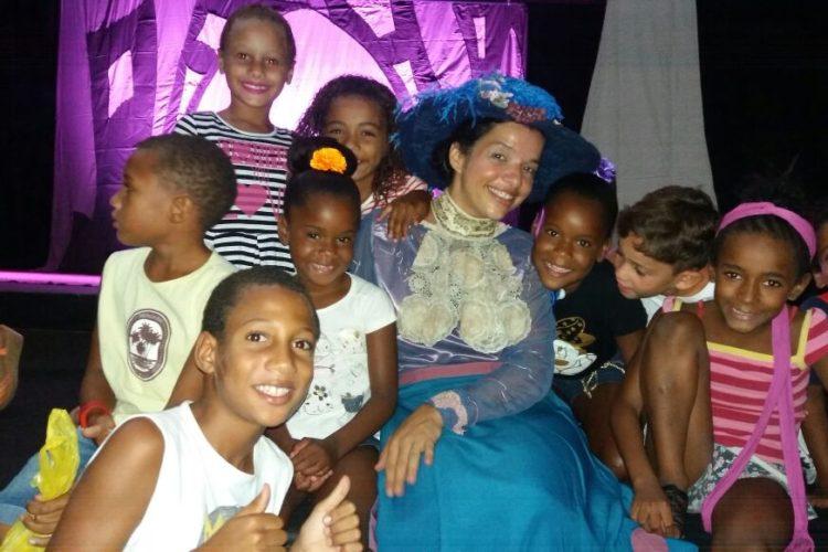 Nossas crianças foram convidadas para assistir a peça Ludi e a revolta da vacina
